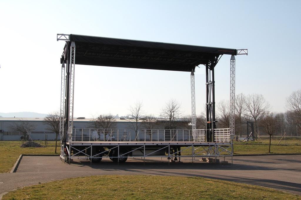 STAGEMASTER, Fabrication Vente Scene et podium mobile